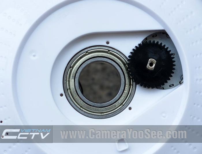 vòng bi bạc lót và bánh răng điều tốc trên camera YooSee