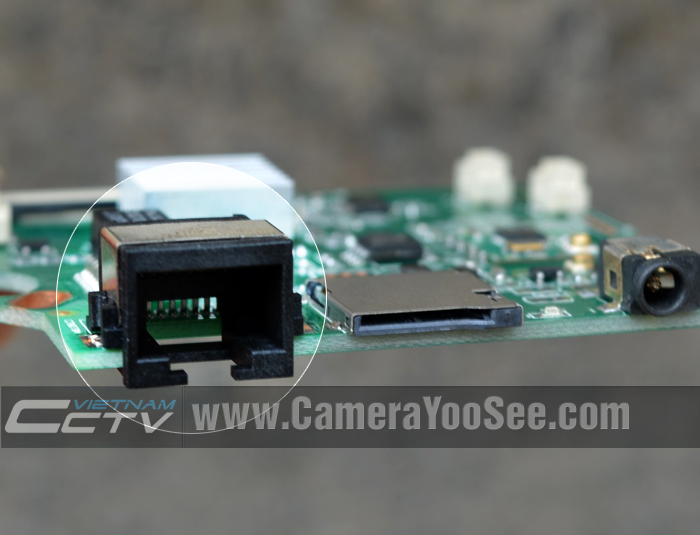 Camera YooSee có cổng cắm cáp mạng